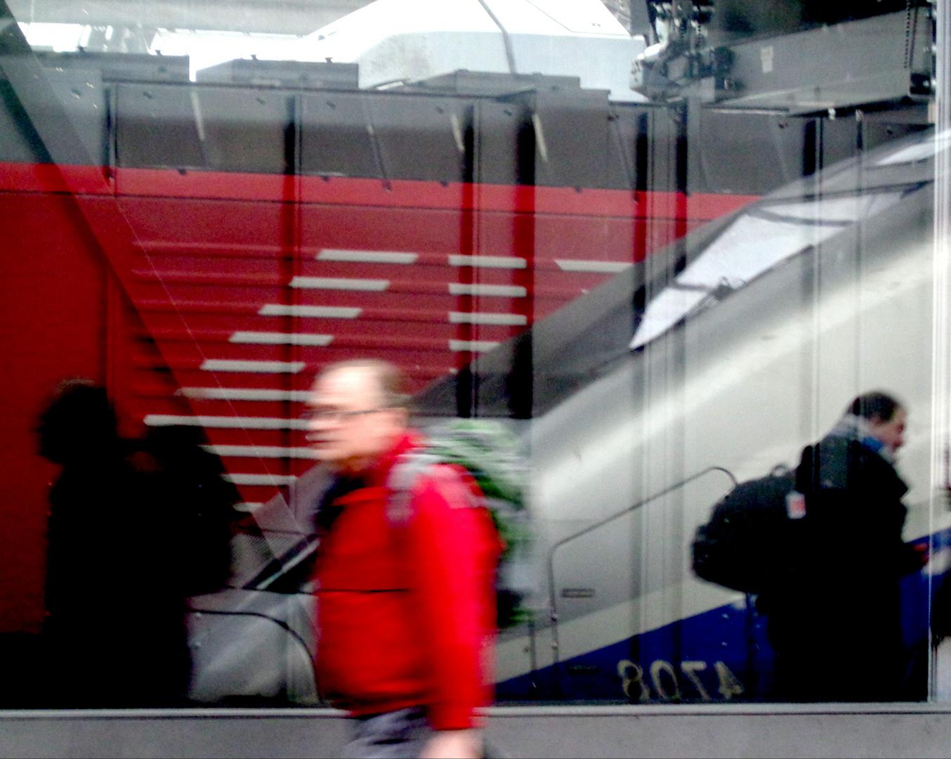 Bahnsteigimpression im Hbhf Zürich