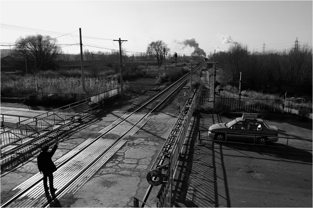 """Bahnübergänge in Fuxin IV - Das """"frei""""-Signal in Gegenrichtung"""