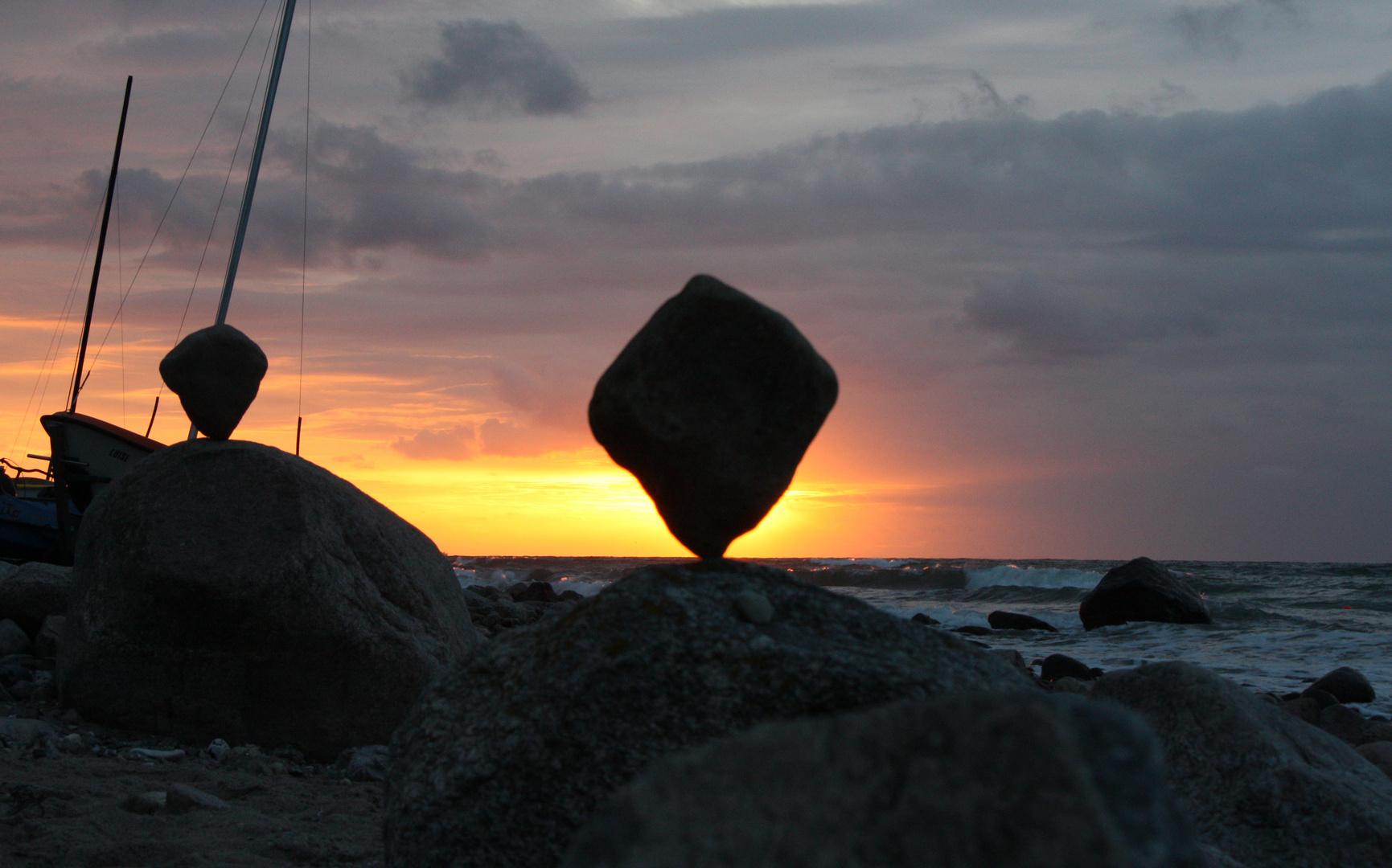 Balance in der Abenddämmerung (Ostsee)