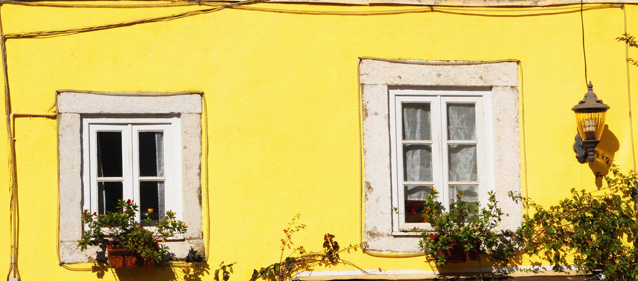 Balcones y ventanas. LXXXII
