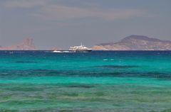 Balearia Trasmapi auf dem Weg nach Ibiza
