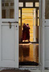 Balgende Mönche
