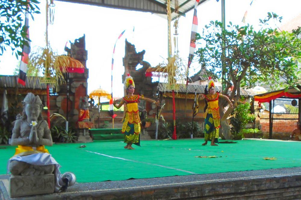 Bali - Dance-Ceremony