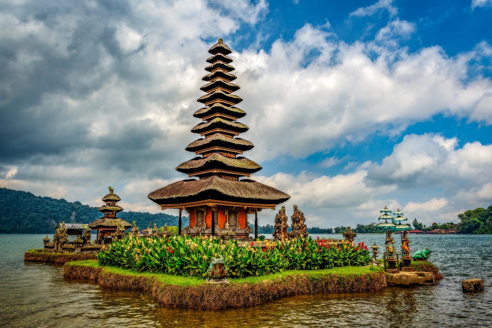 Bali Ulun Danu Bratan Temple