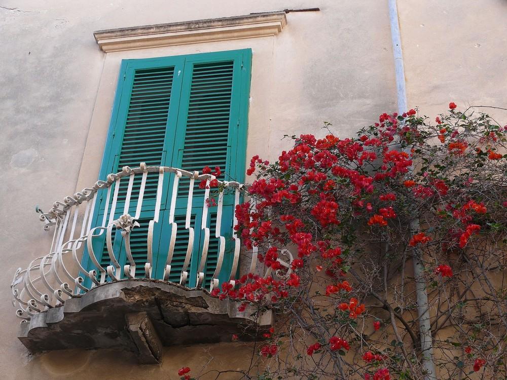 Balkonszene gestrichen......