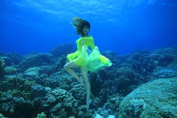 ballett im riff foto bild fashion unterwasser inszenierungen