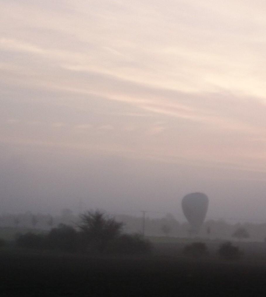 Ballon im Herbstnebel ...