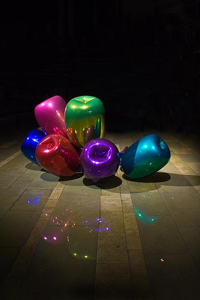 Ballone in der Nacht