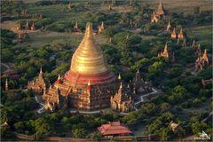 """Balloons over Bagan"" (05)"