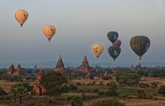 Balloons over Bagan -1