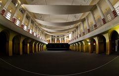* Ballsaal *