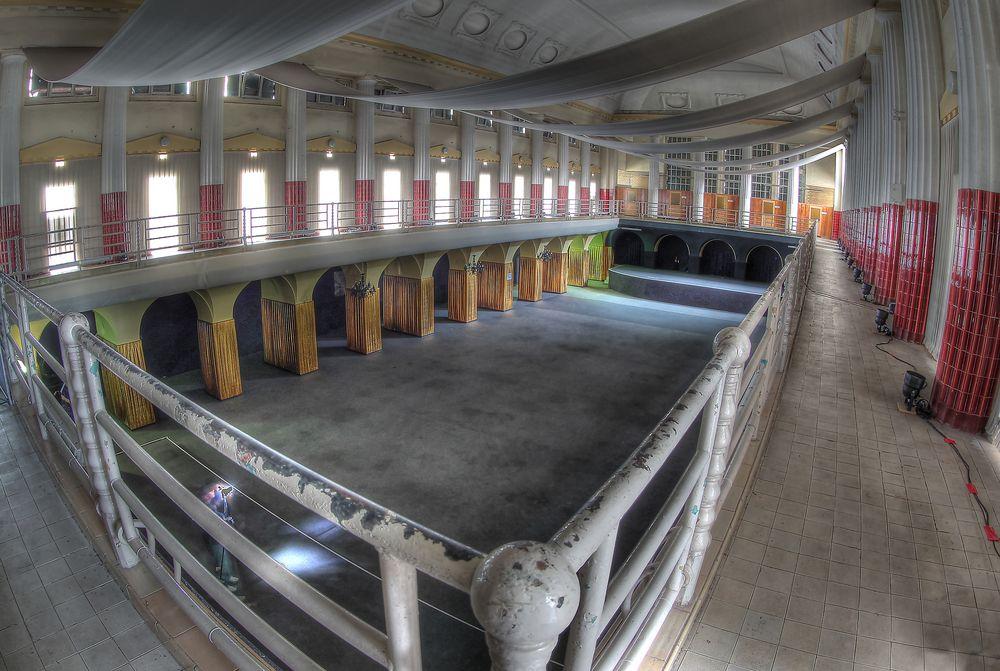 Ballsaal   II