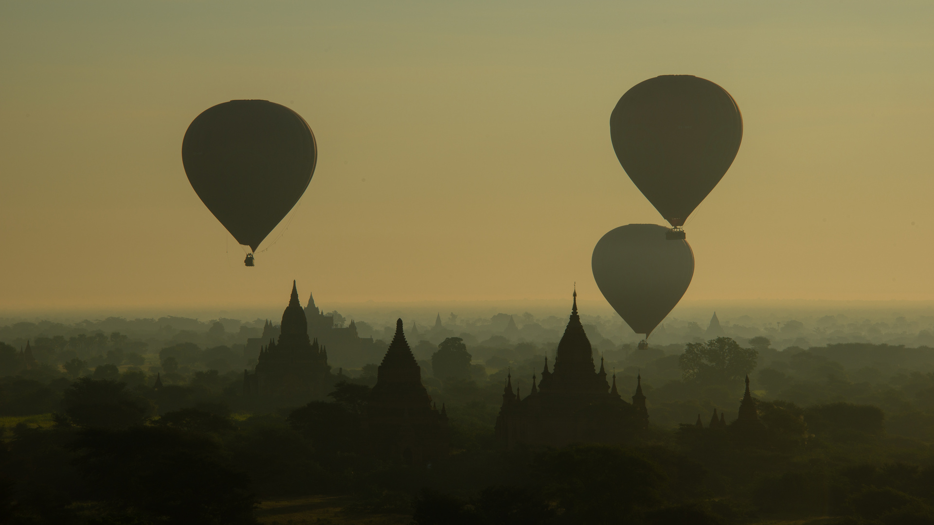 Baloon over Bagan