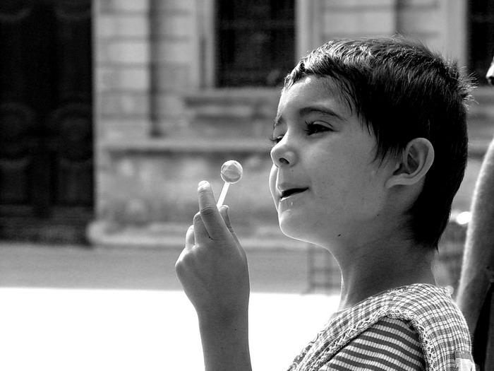 Bambina a Piazza Duomo