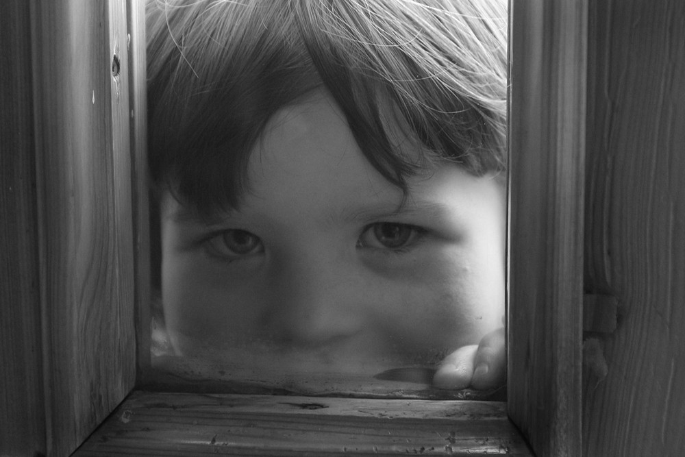 Bambina curiosa