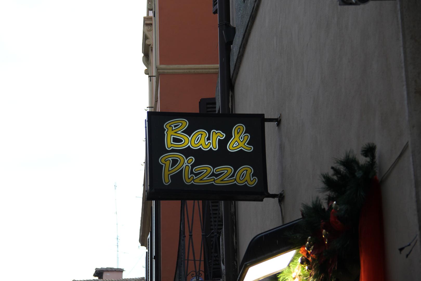 Bar & Pizza
