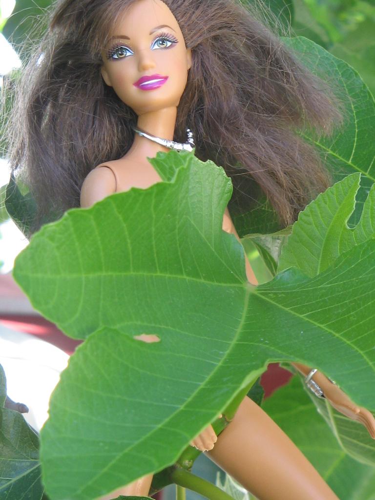 Barbie als Eva