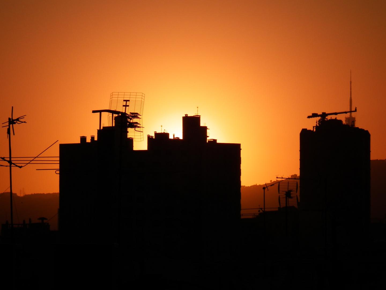 Barcelona's Dächer glühen