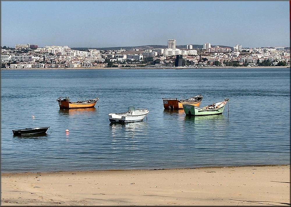 Barche sul fiume Tejo