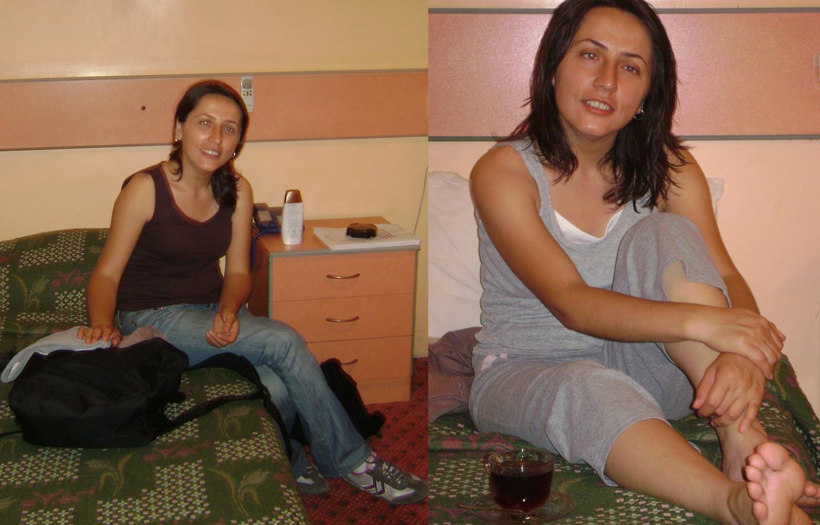 Barfu im hotelzimmer foto bild indoor portrait for Hotelzimmer teilen