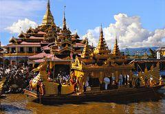 Barge royale et pagode