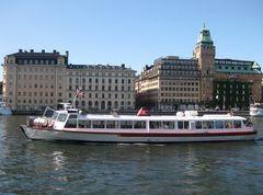 Barkasse im Hafen von Stockholm