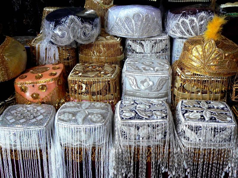 barrets de festa uzbeks
