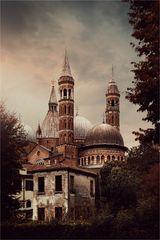 * Basilica di Sant'Antonio *