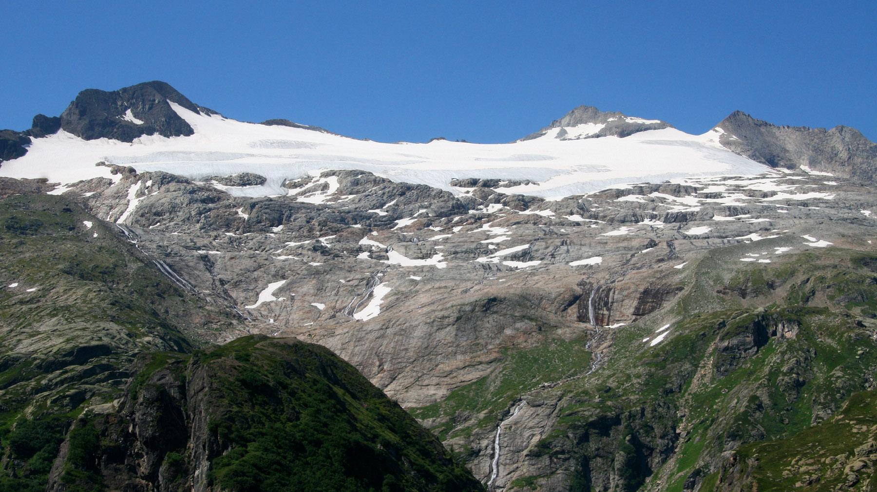 Basodinò 3273 m mit Gletscher