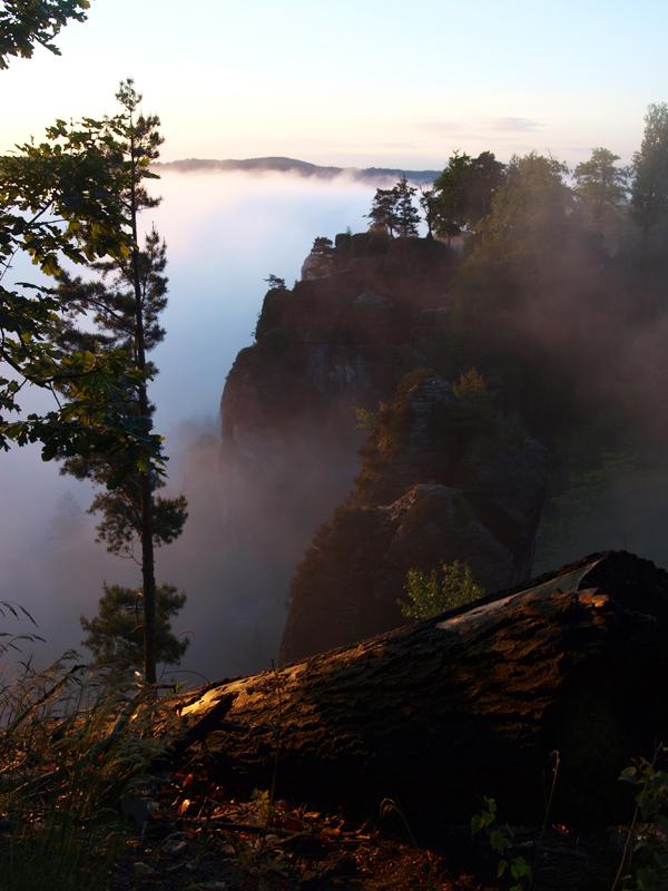 Bastei im Nebelschleier