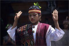 batak dancer 02