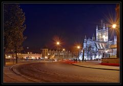 Bath Abbey & Garfunkels at the Empire <Bath bei Nacht>