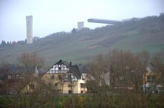 Bau der neuen Moselbrücke bei Zeltingen