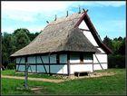 Bauernhaus und Scheune