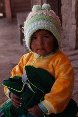 Bauernkind auf Plaza ... in Peru