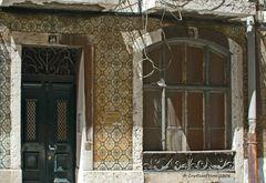Baufälliges Wohnhaus mit Azulejos in Lisboa