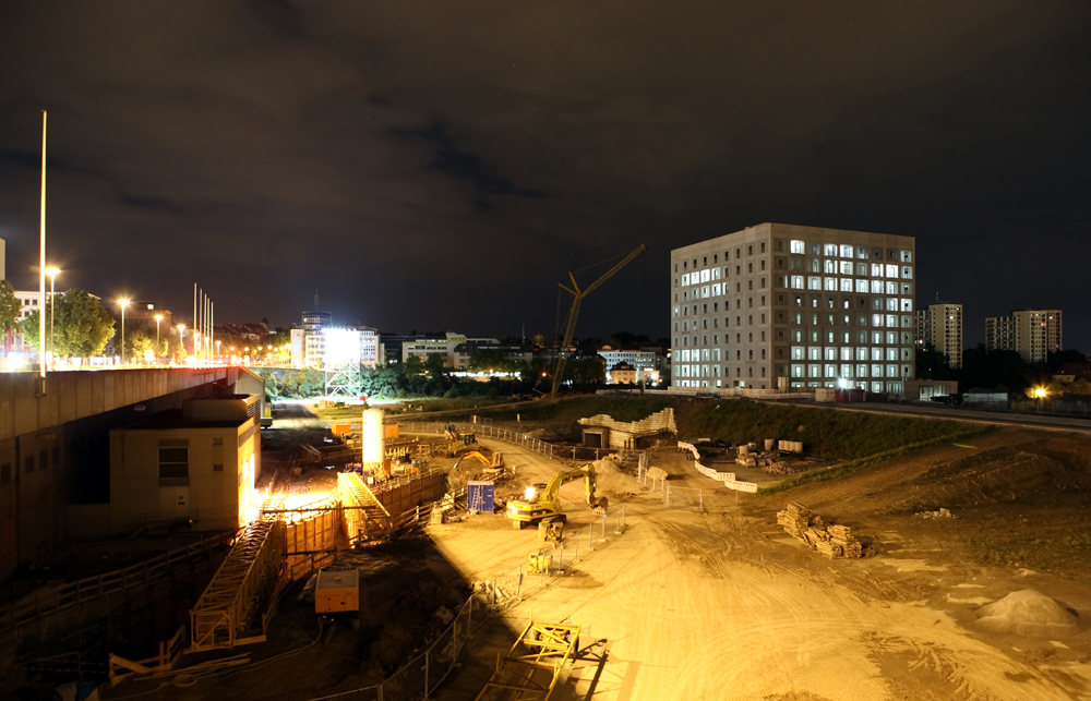 Baustelle neue bibliothek und u bahn stuttgart 21 foto for Neue architektur stuttgart