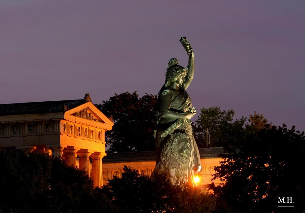 Bavaria Statue - Theresienhöhe
