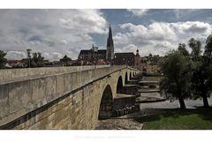 """Bayrische Impressionen """" Regensburg, der Blick vom Stadtteil-Stadtamhof, auf die Steinerne Brücke"""""""