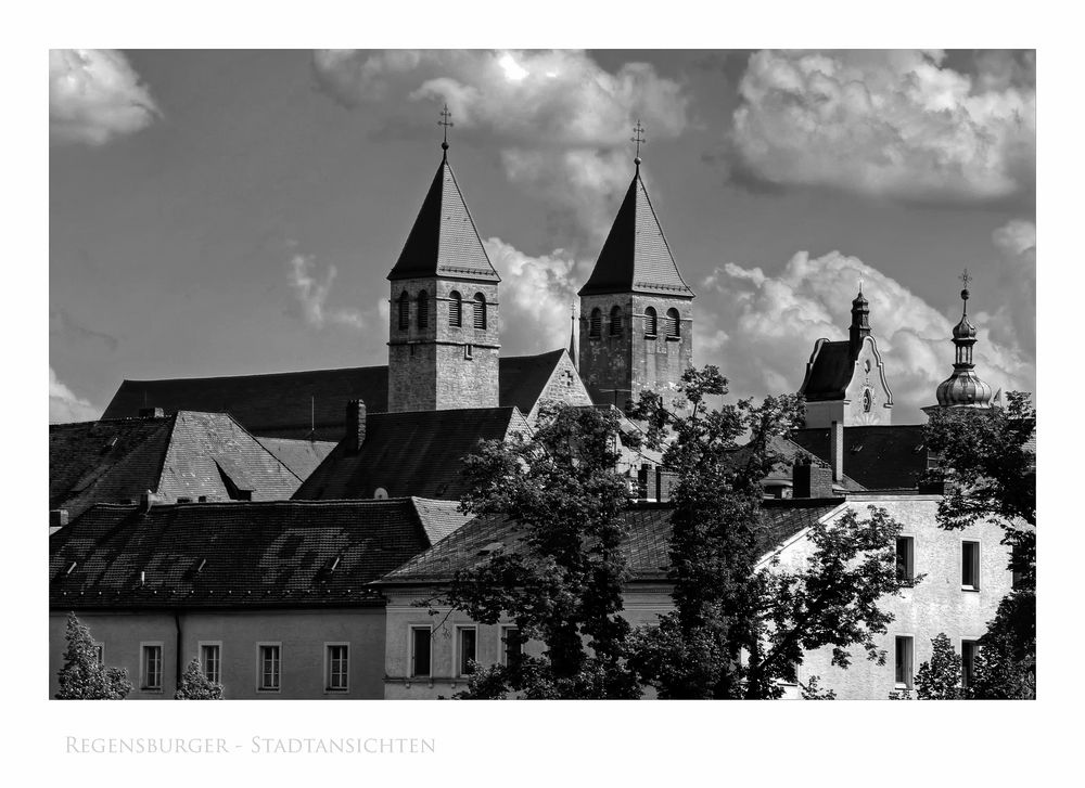 """Bayrische Impressionen """" Regensburg - die Türme, der Niedermünster Basilika """""""
