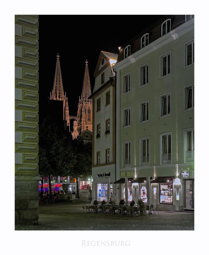"""Bayrische Impressionen """" Regensburger Altstadt...bei Nacht"""""""