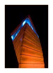 BBI Info Turm bei Nacht II