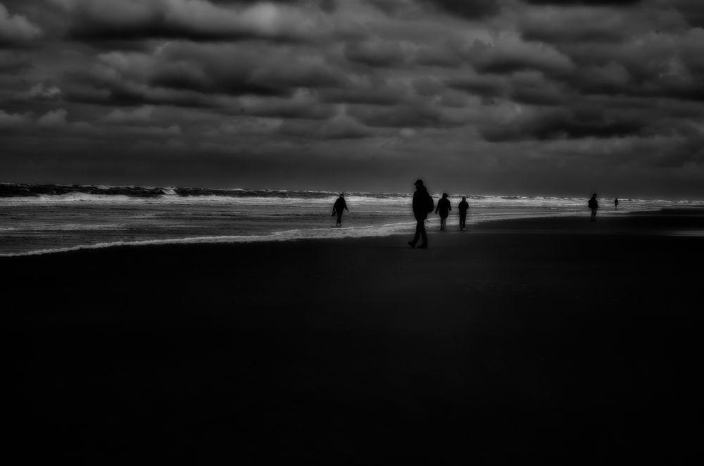 beachcombers.stint