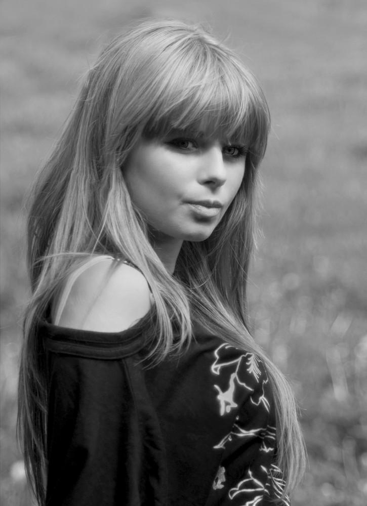 Beautiful girl BW