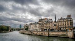 Beautiful Paris - Suivez la flèche