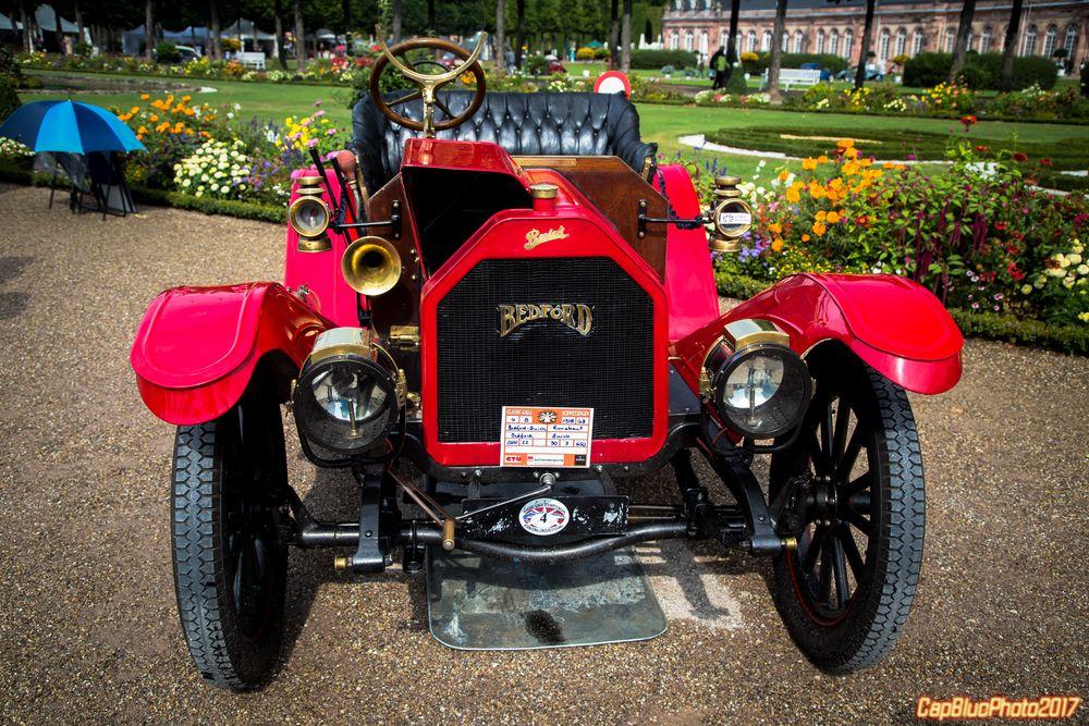 Bedford Buick bei der Classic Cars Schloß Schwetzingen