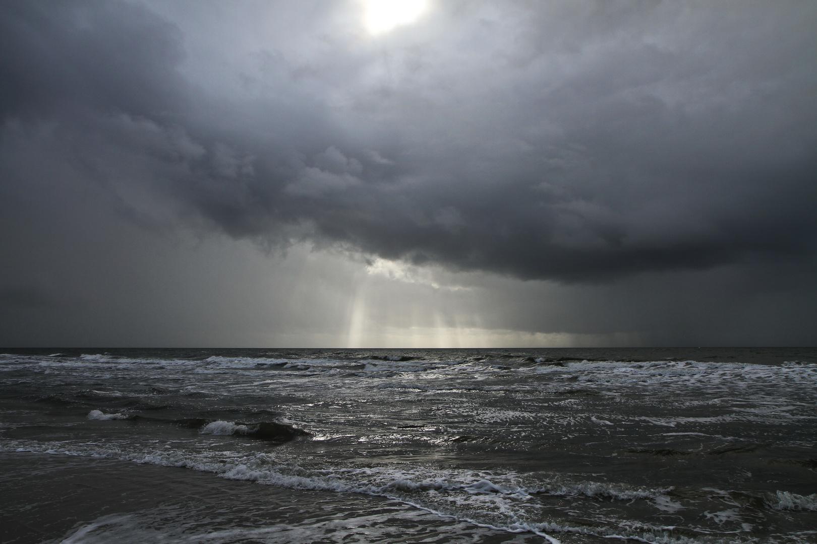 Bedrohliche Wolken über der Nordsee auf Amrum