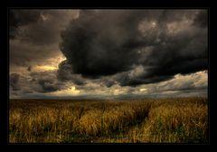bedrohliche Wolken ziehen auf....