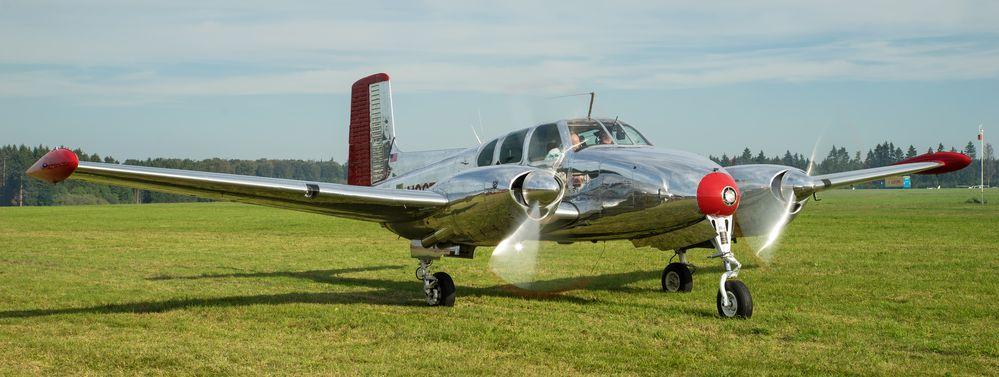 "Beechcraft Model 50 ""Twin Bonanza"" N3670B"
