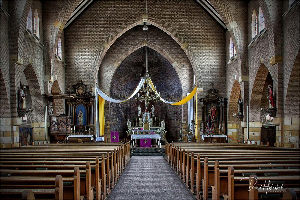 Beesel ....  St. Gertrudis- Kirche